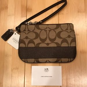 NWT Coach Small Wristlet